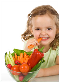 little-girl-eating-vegetables