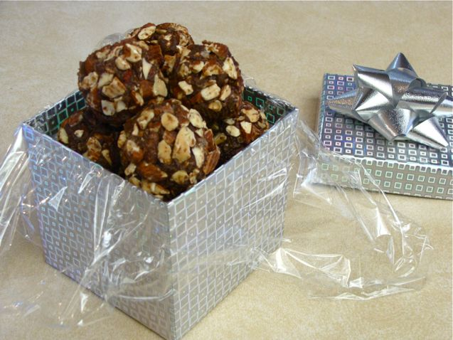 dessert_chocolate_almond_balls_actual (3)